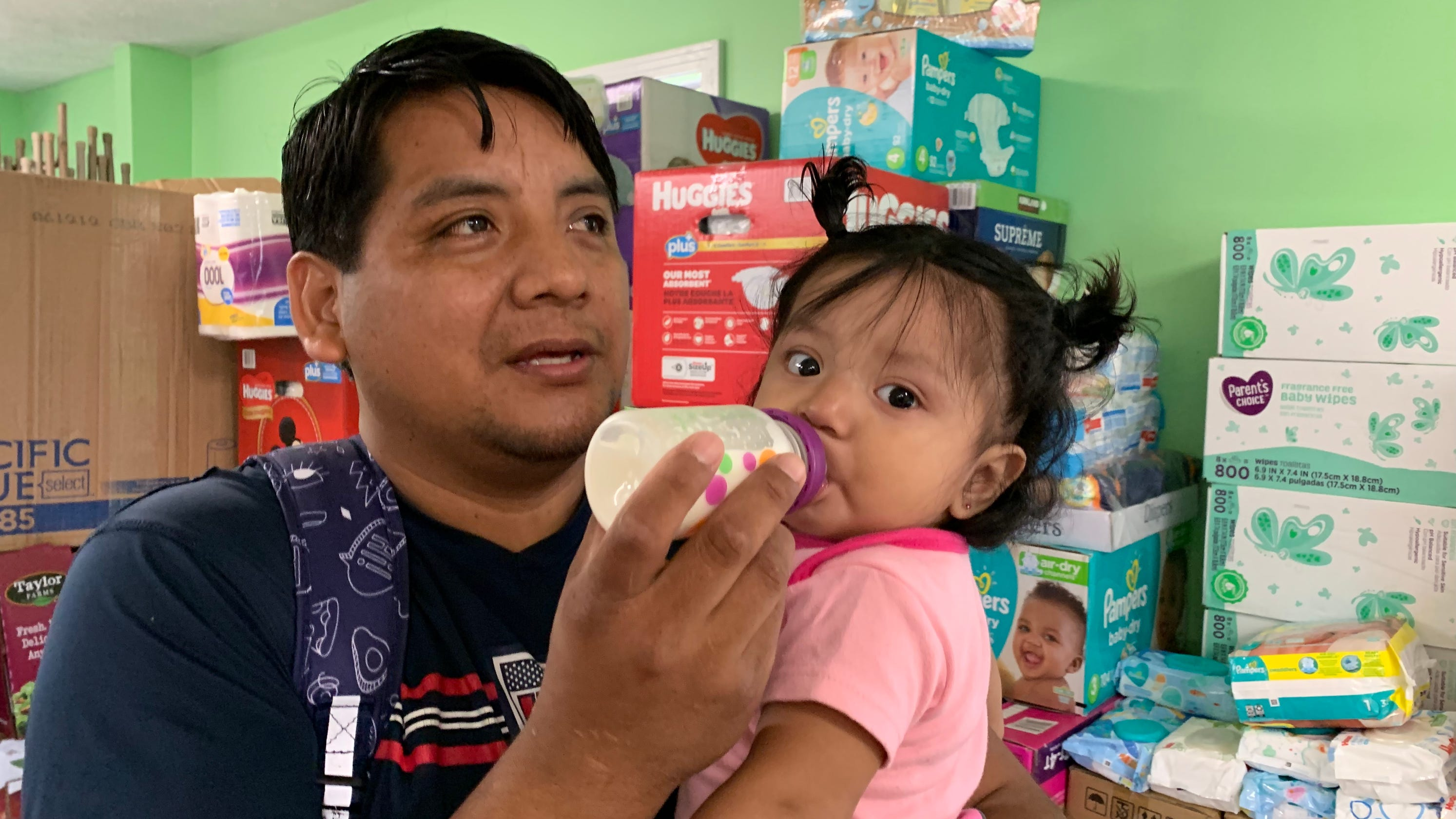 a8876b38 Mississippi raids: ICE still detaining breastfeeding, single parents