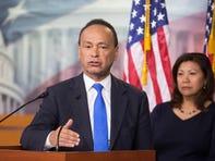 Luis Gutiérrez: 'Los votantes jóvenes hispanos sacarán a Donald Trump de la Casa Blanca'