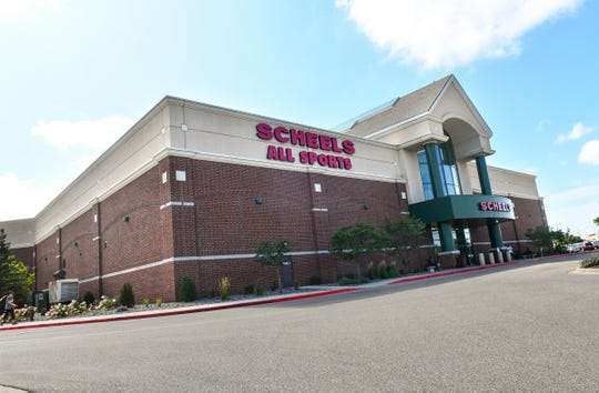 The SCHEELS store at Crossroads Center was named the 2019 Best Sporting Goods Store and Best Mens Apparel Store in the Best Of Central Minnesota contest.
