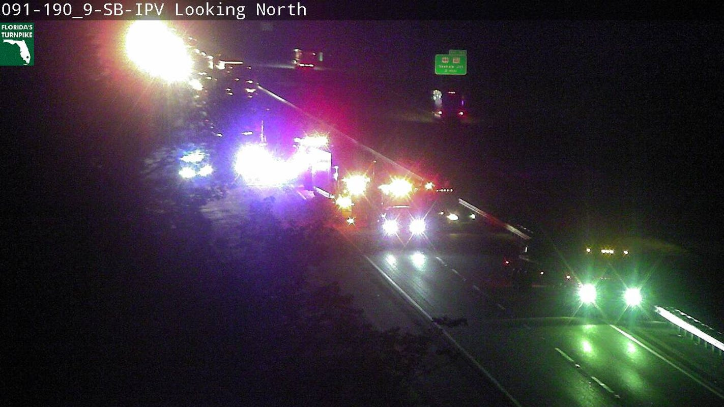 Woman dies, 1 flown to hospital in crash on Florida Turnpike