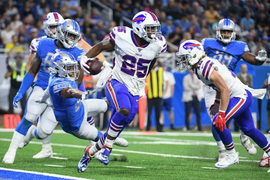 Buffalo Bills running back LeSean McCoy (25) runs the ball during the second quarter against the Detroit Lions at Ford Field.