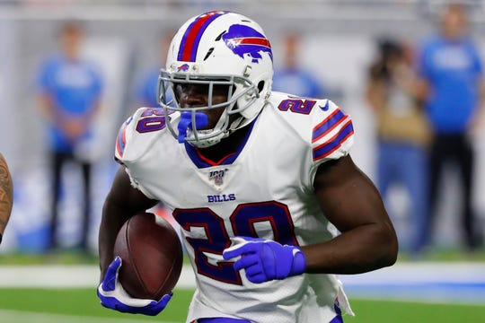 Veteran Frank Gore had a rough debut for the Bills in the win over the Jets. He carried 11 times for 20 yards and was stopped for a safety.