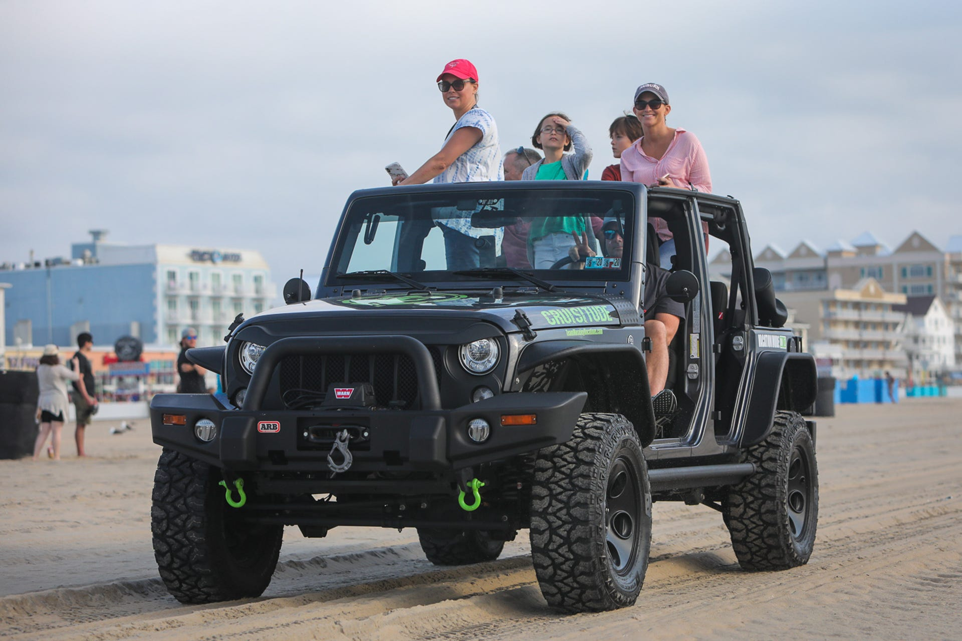 Ocean City Jeep Week >> Photos Jeeps Parade Across The Beach During Ocean City Jeep