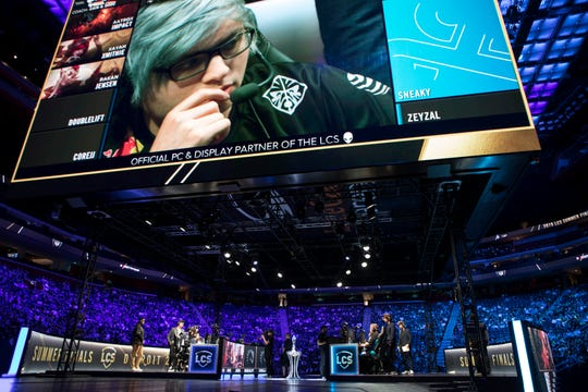 Zachary Scuderi of Team makes chooses his champion during the 2019 LCS Summer Finals at Little Caesars Arena in Detroit, Mich., Sunday, August 25, 2019.