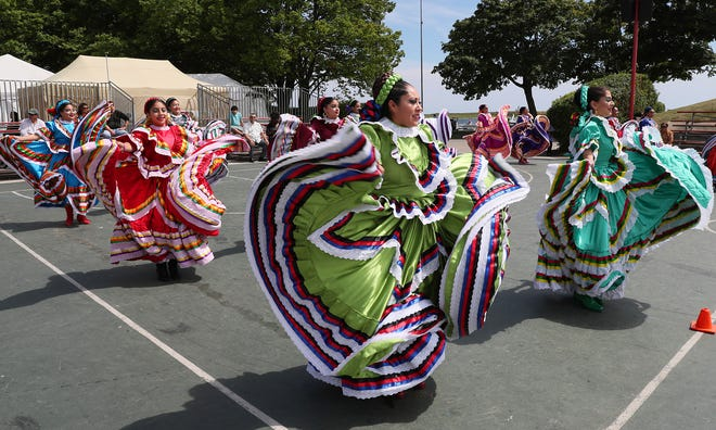 Dancers from the Instituto Cultural de Danza de Manuel Gaona are among the performers at Mexican Fiesta this weekend.