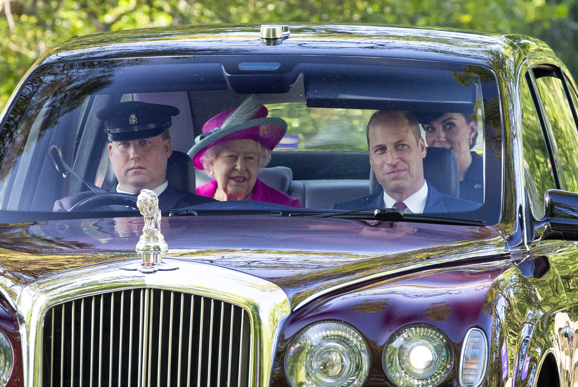 Duchess Kate, Prince William step out to church with Queen Elizabeth in Scotland