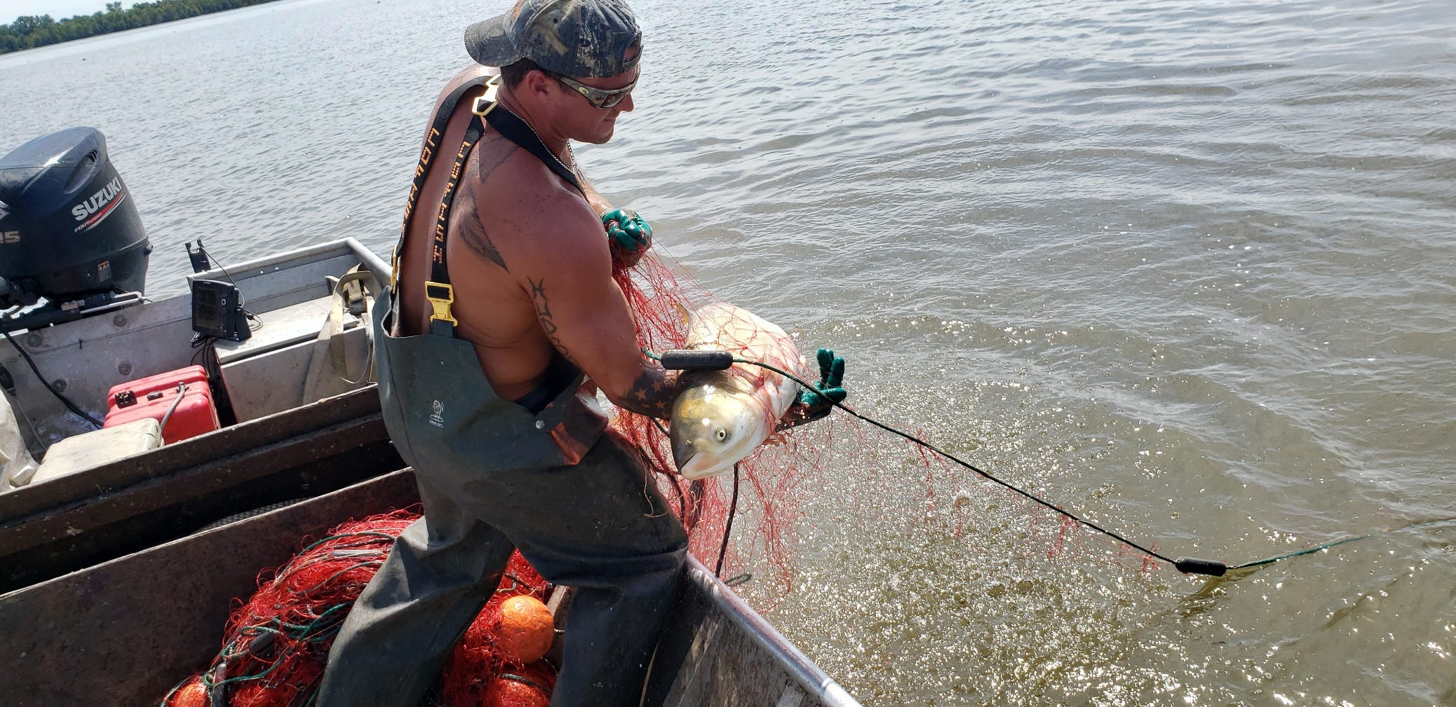 Asian Carp Hunters First Line Of Defense For Great Lakes
