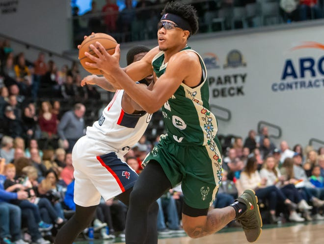 Trevon Duval of the Wisconsin Herd drives to the basket while playing against the Capital City Go-Go at Menominee Nation Arena last November.