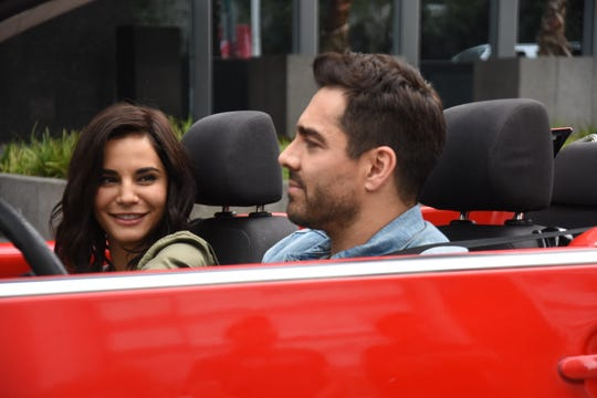 "Martha Higareda and Omar Chaparro star in ""Tod@s Caen."""