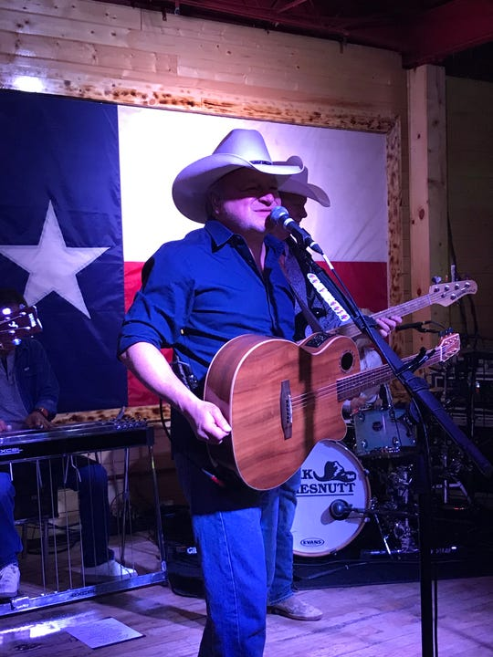 Mark Chesnutt sang his greatest hits Saturday, Aug. 24, 2019, at Whiskey Dick's, 1580 George Dieter Drive.