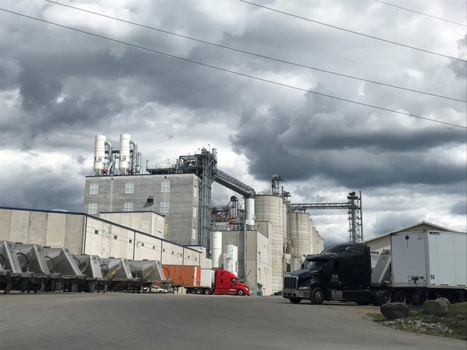 A 52-year-old Waupun man died Dec. 8  in a corn silo at Didion Corn Mill in the village of Cambria.
