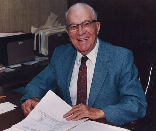 Horace Condley, still crunching numbers in 1986, when he was featured in a newspaper story.