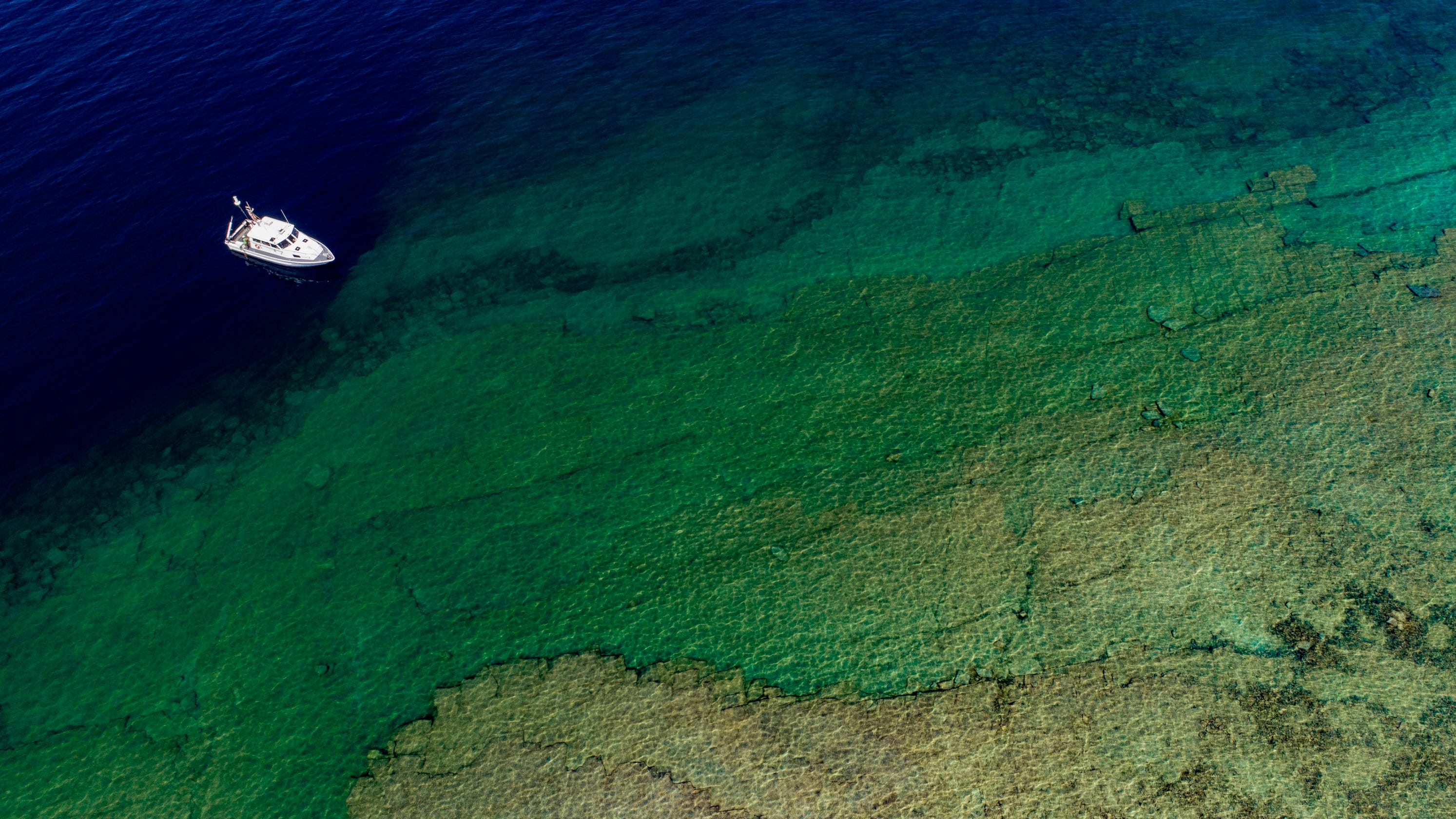 How sinkholes are raising levels of Great Lakes, feeding rare life forms - The Detroit News