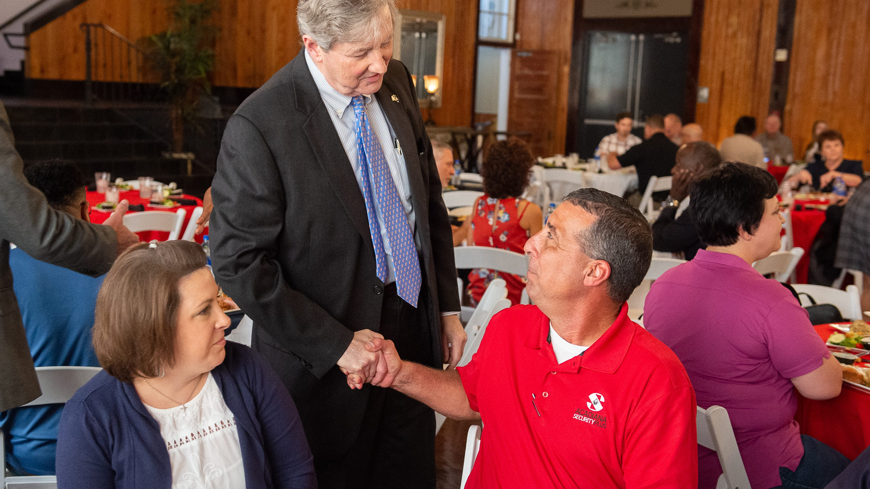 Sen. Kennedy talks immigration, Medicaid, Alabama football at event in Broussard