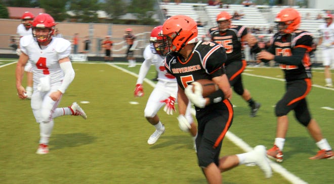 Lordsburg senior Cody McCants caught 16 passes for 173 yards and a touchdown Friday night.