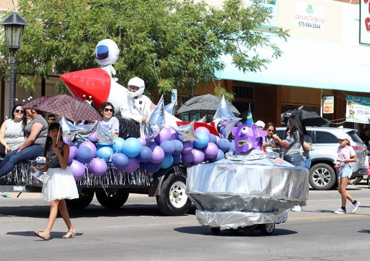 Mimbres Internal Medicine teamed with Deming Wheelchair and Walker Rentals to place second in the 2019 Tournament of Ducks Parade.