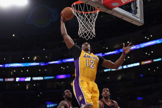 El 'Superman' Dwight Howard regresa a los Lakers.