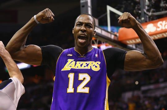 El 'Superman' Dwight Howard regresa a los Lakers.