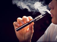 Kentucky warns e-cig users to beware after lung illness linked to vaping afflicts hundreds