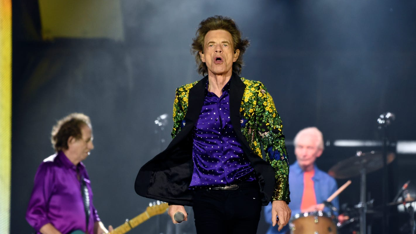 Concert review: Stones keep rocking, rolling, defying time