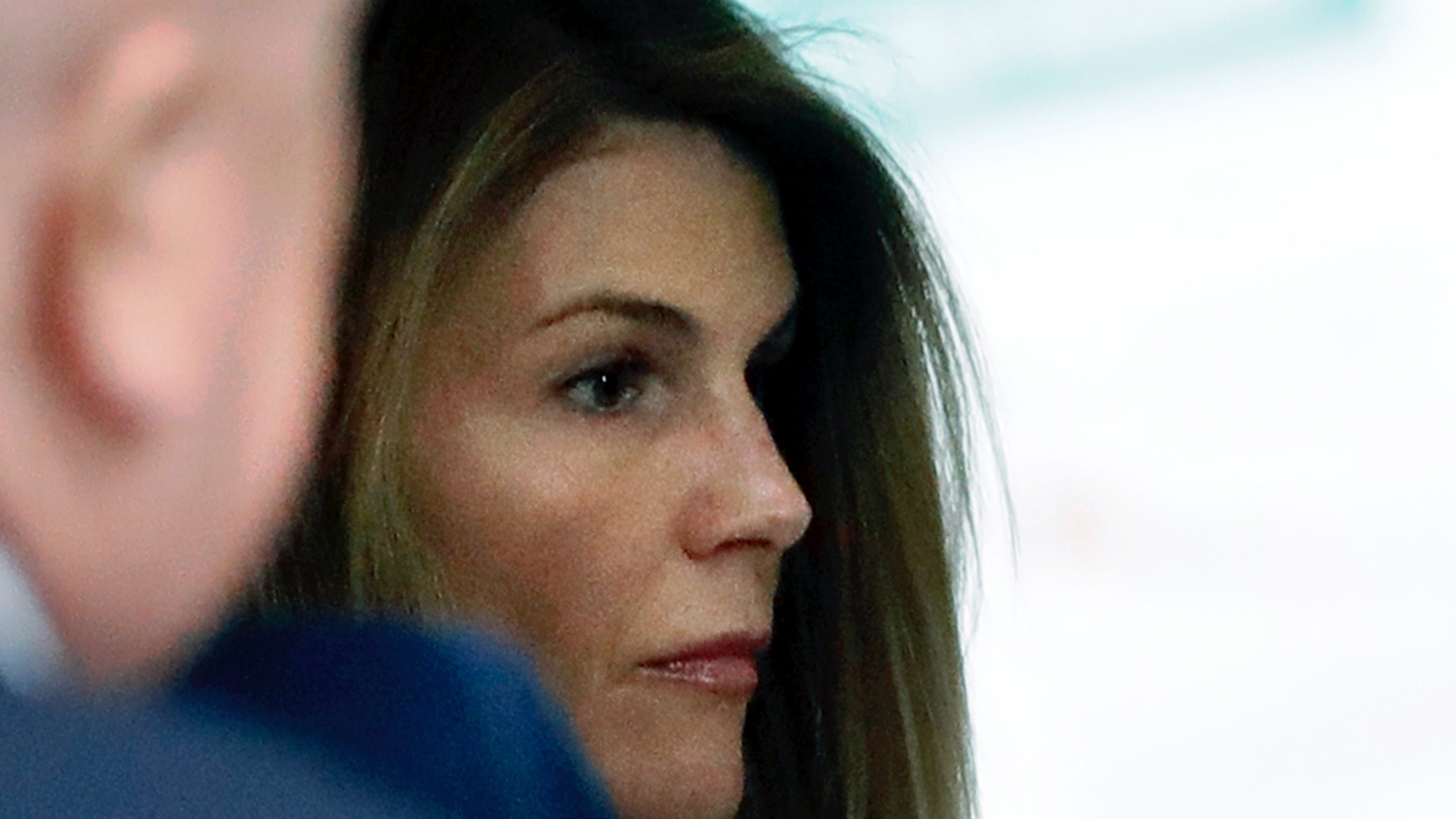 Lori Loughlin faces 'substantially higher' prison sentence than Felicity Huffman if convicted