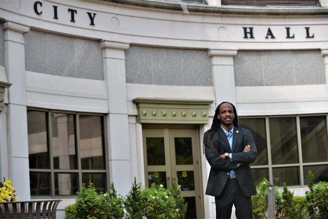 Jackson Communications Director Kenneth Cummings in front of city hall on Aug. 27 in Jackson, Tenn.