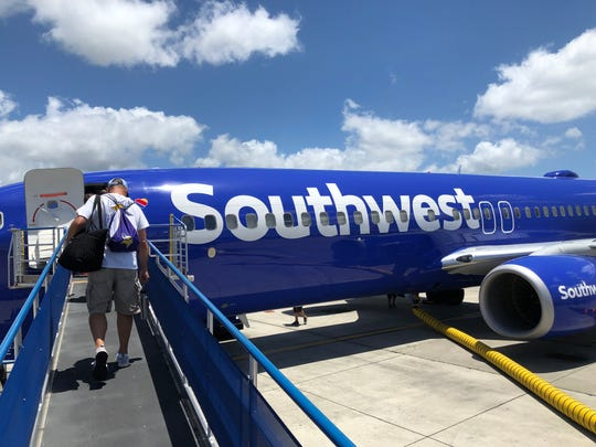 What it's like flying Southwest from Phoenix to Hawaii