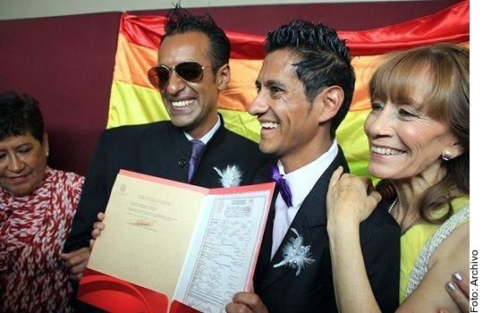 Oaxaca se suma a la lista de otras 17 entidades que ya legislaron a favor de permitir el matrimonio gay.