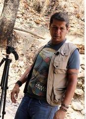 El comunicador Nevith Condés Jaramillo, de 42 años de edad, fue encontrado en una comunidad conocida como Cerro de Cacalotepec, en Tejupilco, Estado de México.