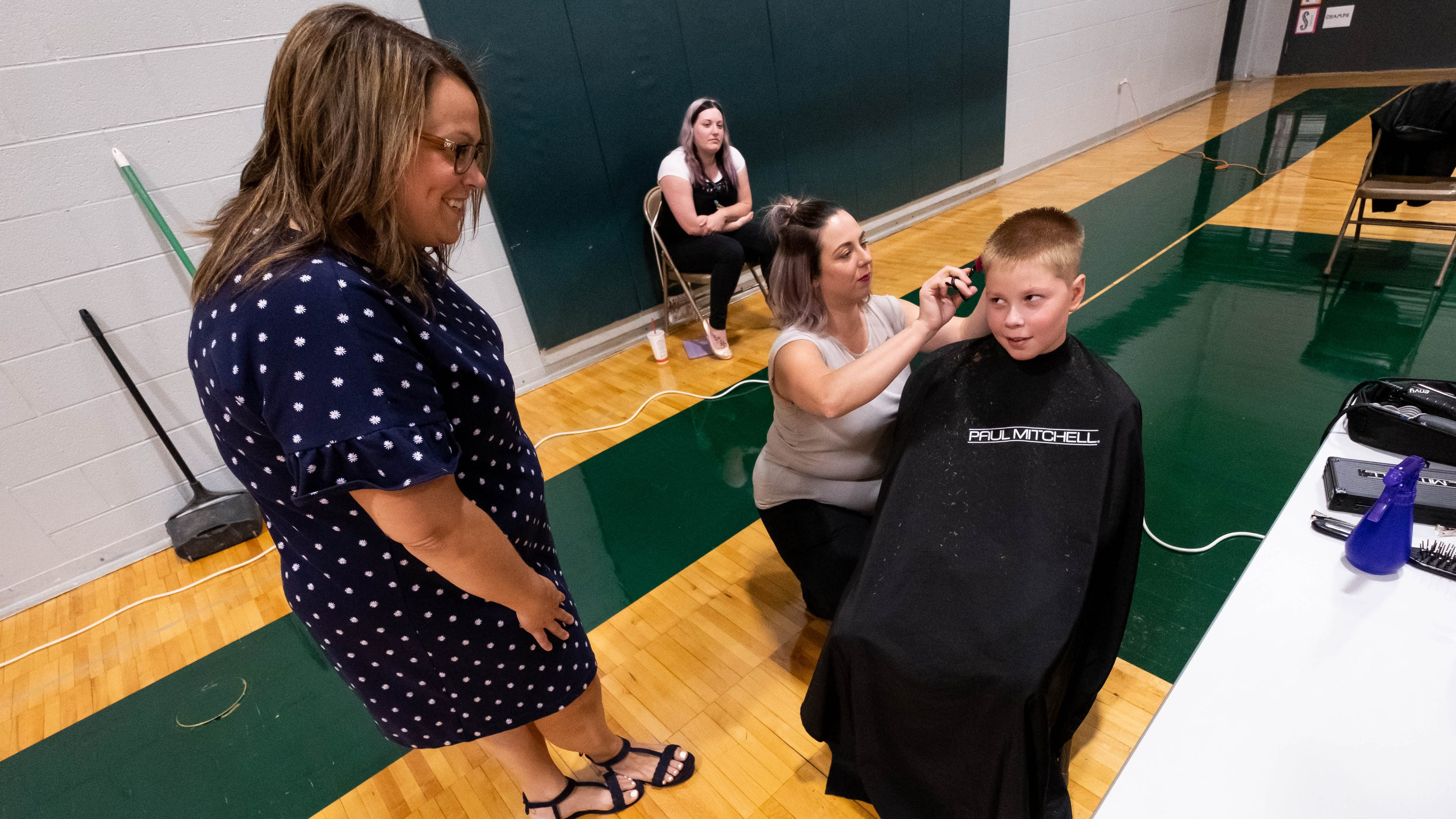 Holland Woods students get styled for new school year