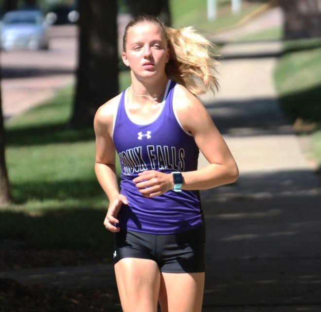 Brandon native Lauren Wells runs at USF practice on Wednesday, August 28.