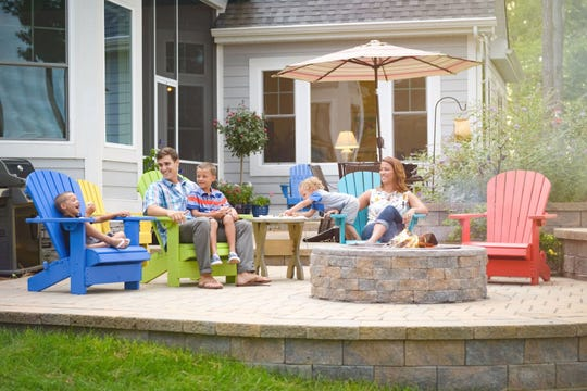 Outdoor features like serene water fountains, grill areas, and trellises provide classy and relaxing settings to take a breather.