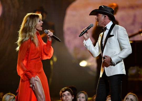 Faith Hill and Tim McGraw's daughter Gracie can sing! Tim McGraw posted a video of the two singing a duet.