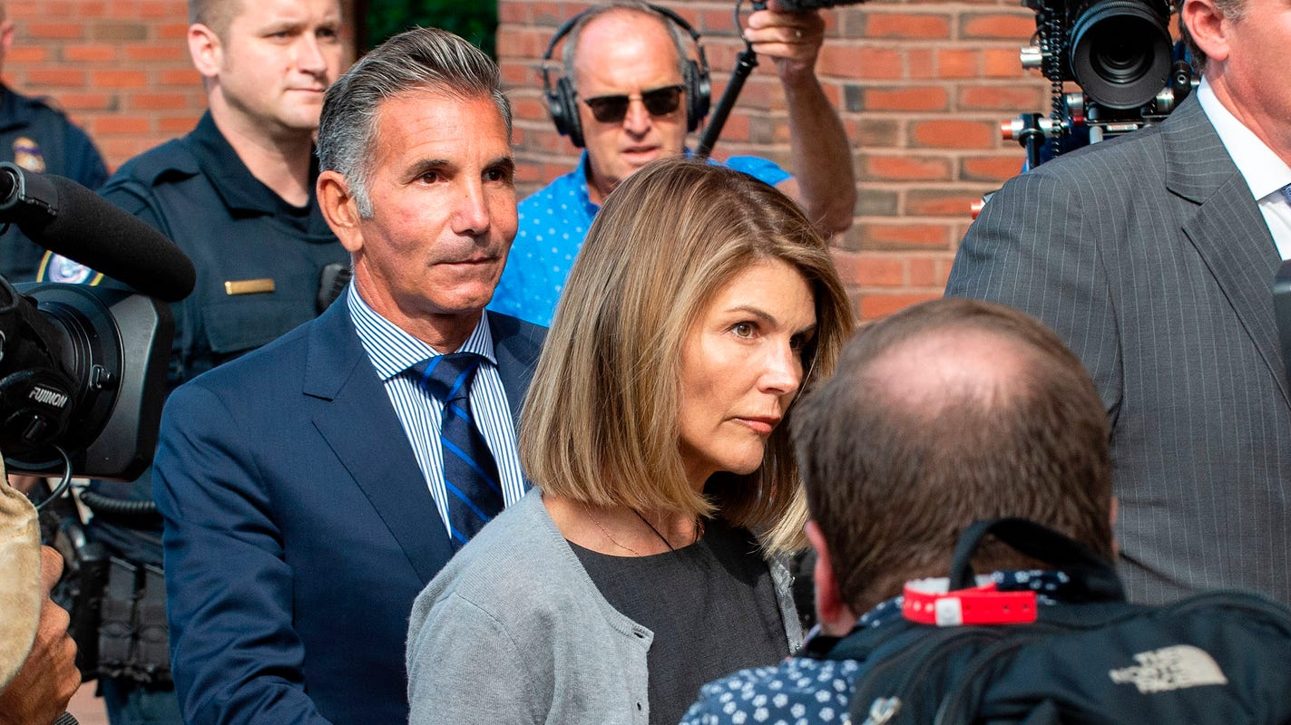 Judge refuses Lori Loughlin's request to dismiss charges in college-admissions bribery case
