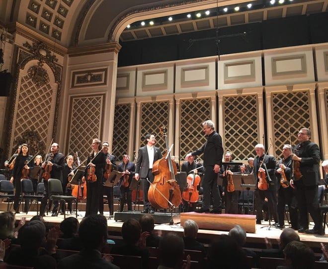 Owen Lee, center, with the Cincinnati Symphony Orchestra.