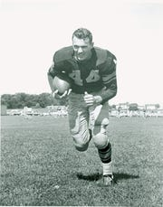Bobby Dillon, defensive back for the Green Bay Packers from 1952-59.