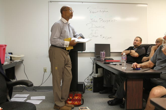 Alamogordo Police conducted an implicit bias training led by local educator, pastor and NAACP member, Rev. Warren L. Robinson, on Friday afternoon.