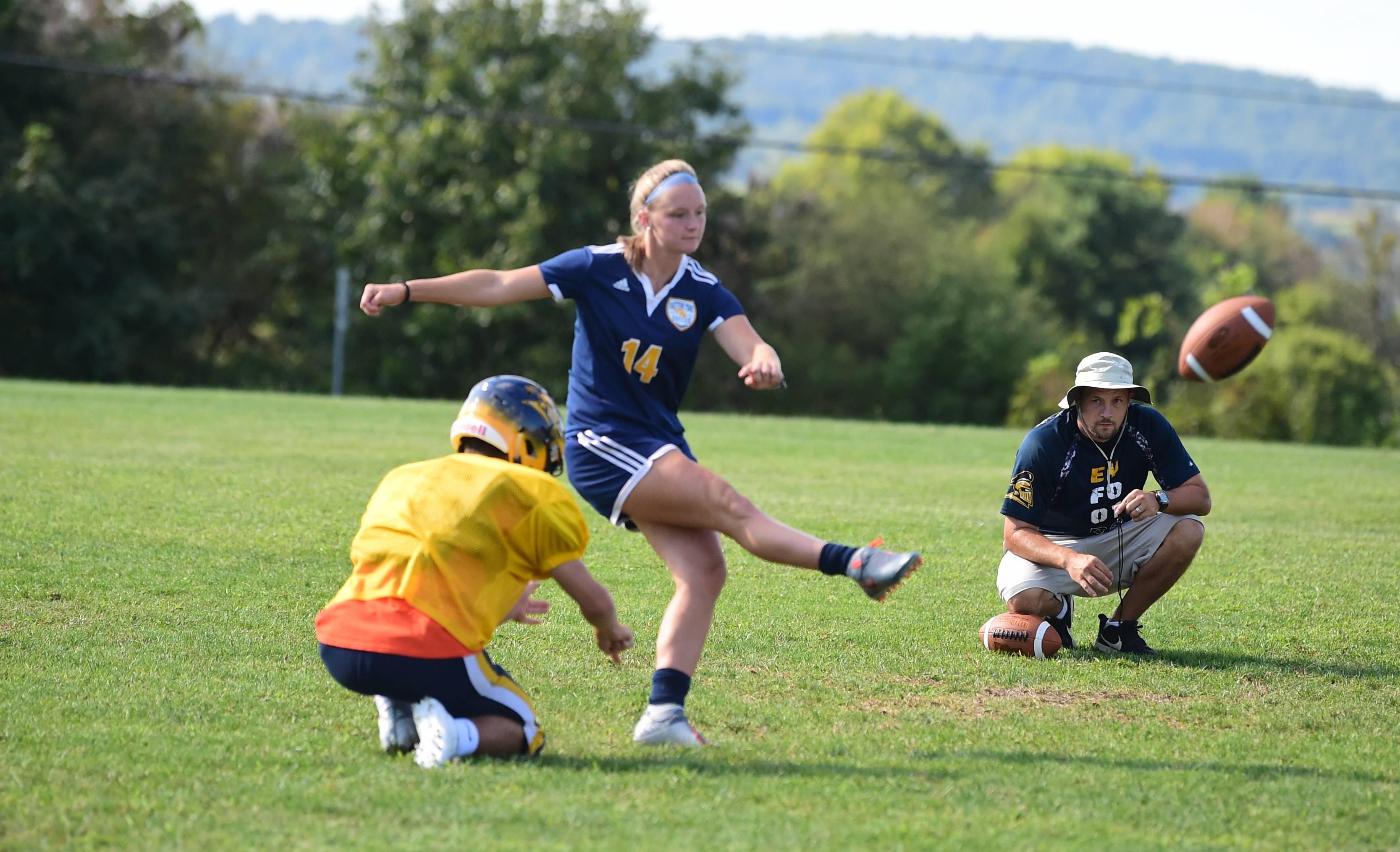 Yaiaa Football Eastern York S Girl Kicker A Full Fledged Team Member