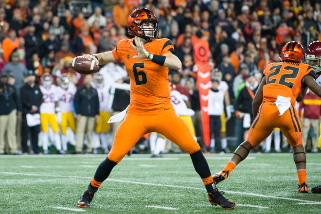 Nov 3, 2018; Corvallis, OR, USA; Oregon State Beavers quarterback Jake Luton (6) throws the ball during the first half against the USC Trojans at Reser Stadium. Mandatory Credit: Troy Wayrynen-USA TODAY Sports