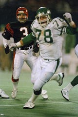 Barry Bennett (78) played 11 seasons in the NFL, including with the New Orleans Saints, the New York Jets and the Minnesota Vikings.