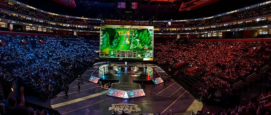 Team Counter Logic Gaming and Team Clutch Gaming battle before a large crowd during the first day of the 2019 LCS Summer Finals at Little Caesars Arena on Aug. 24.