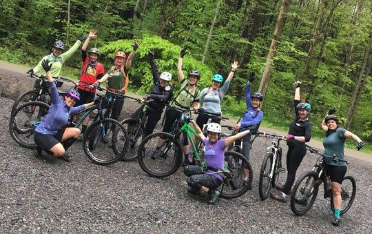 Cycle-CNY women mountain bikers