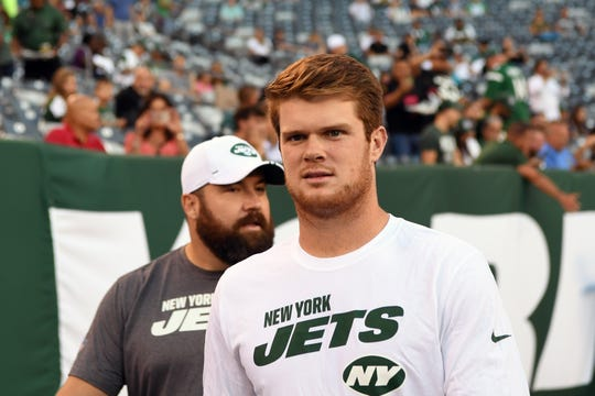 New York Jets vs. Philadelphia Eagles at MetLife Stadium in East Rutherford on Thursday, August 29, 2019. Jets QB #14 Sam Darnold before the start of the game.