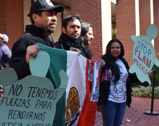 Activistas de Derechos Humanos protestan.