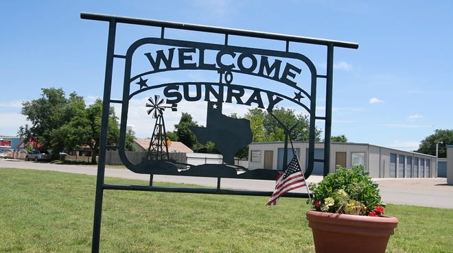 Welcome sign in Sunray, TX.