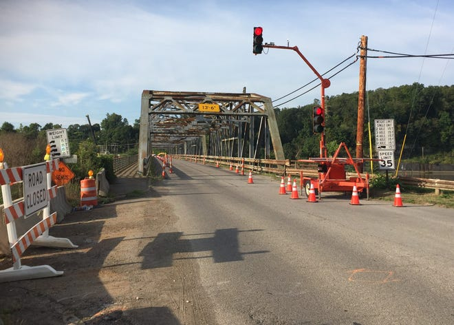 Traffic on the Philo/Duncan Falls Bridge was reduced to one lane last week due to some structural damage discovered during a recent inspection.