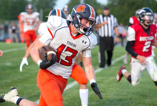 Galion's Brayden Eckels runs into the end zone for a touchdown in the second quarter.
