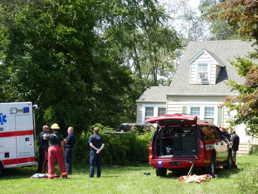 Branchburg: Multi-vehicle accident on Route 202 damages home