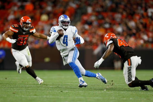 Josh Johnson runs against the Browns on Thursday.