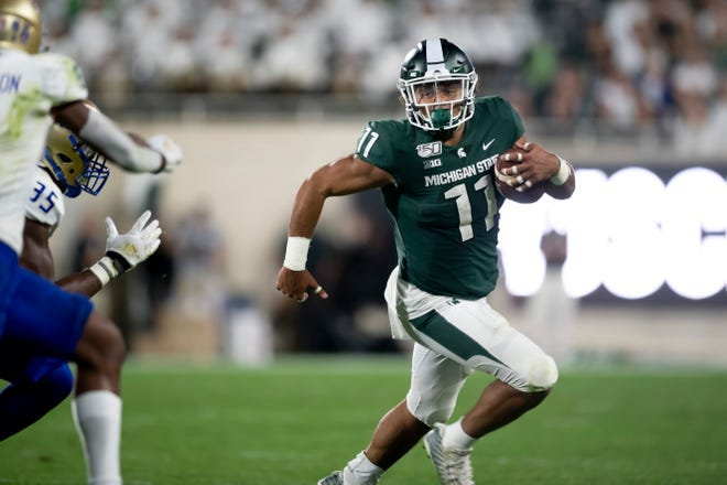 Connor Heyward led Michigan State's rushing attack on Friday night with 43 yards on 15 carries.